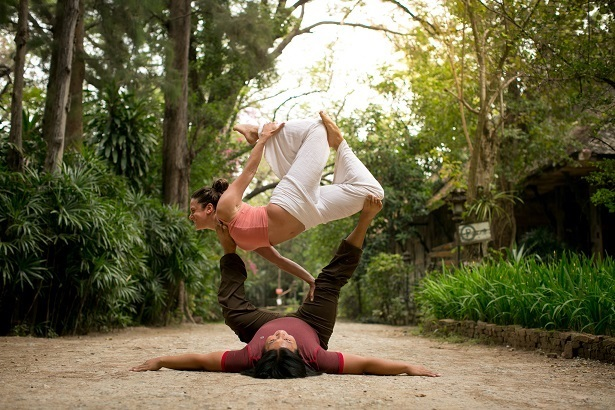AcroYoga is a creative practice allowing the discovery of new shapes and possibilities when working together